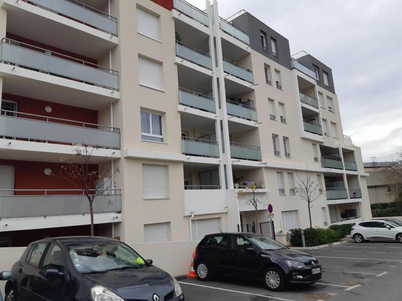 Location appartement Marseille 11ème 686€ CC - Photo 8
