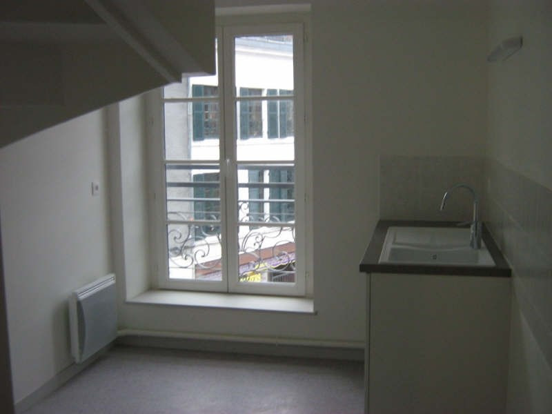 Rental apartment Nevers 583€ CC - Picture 5