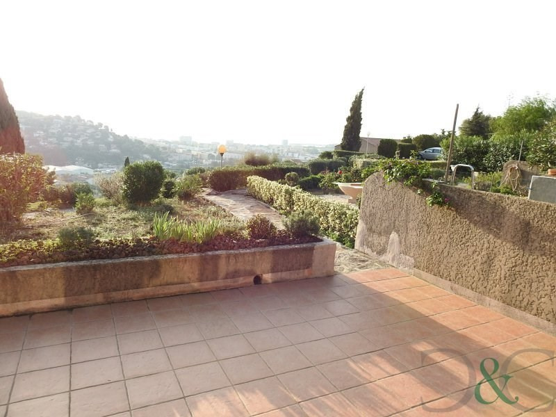 Apartment for sale with large terrace and stunning sea views