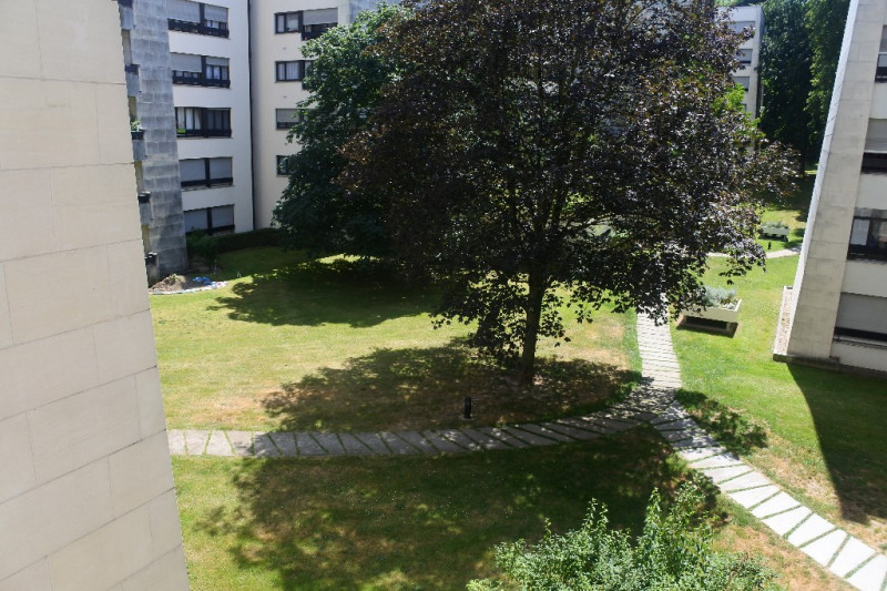 Sale apartment Franconville 129000€ - Picture 1