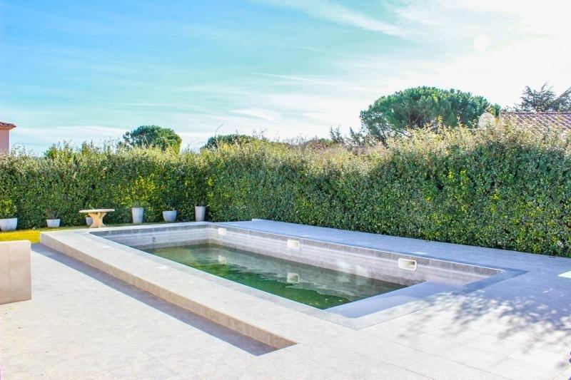 Deluxe sale house / villa Pujaut 493000€ - Picture 2