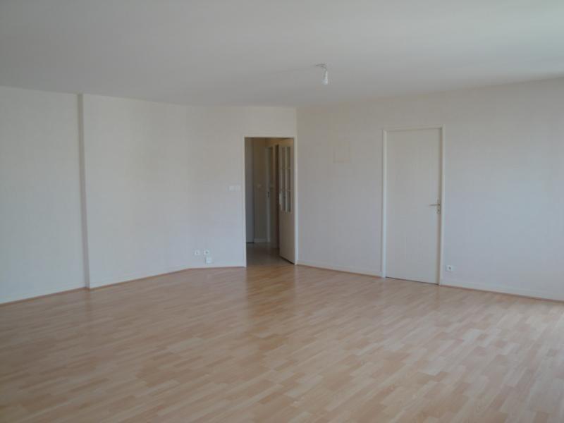 Location appartement Niort 765€ CC - Photo 3