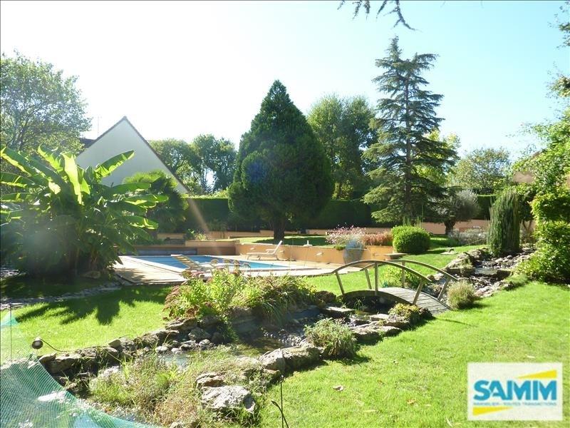 Deluxe sale house / villa Echarcon 680000€ - Picture 2