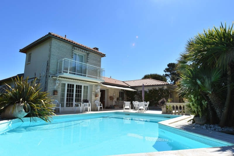 Deluxe sale house / villa Vaux sur mer 832000€ - Picture 1
