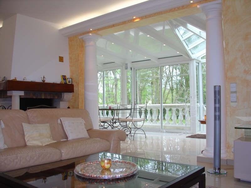 Deluxe sale house / villa Lamorlaye 630000€ - Picture 2
