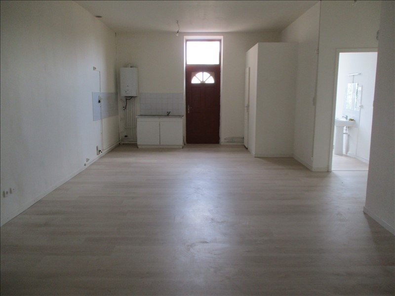Rental apartment Salon de provence 724€ CC - Picture 3