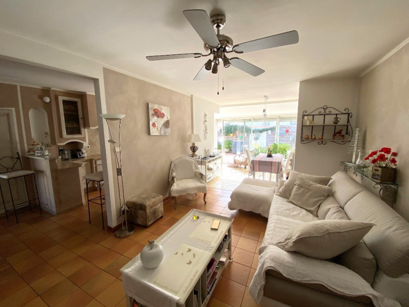 Sale house / villa Les milles 389000€ - Picture 2