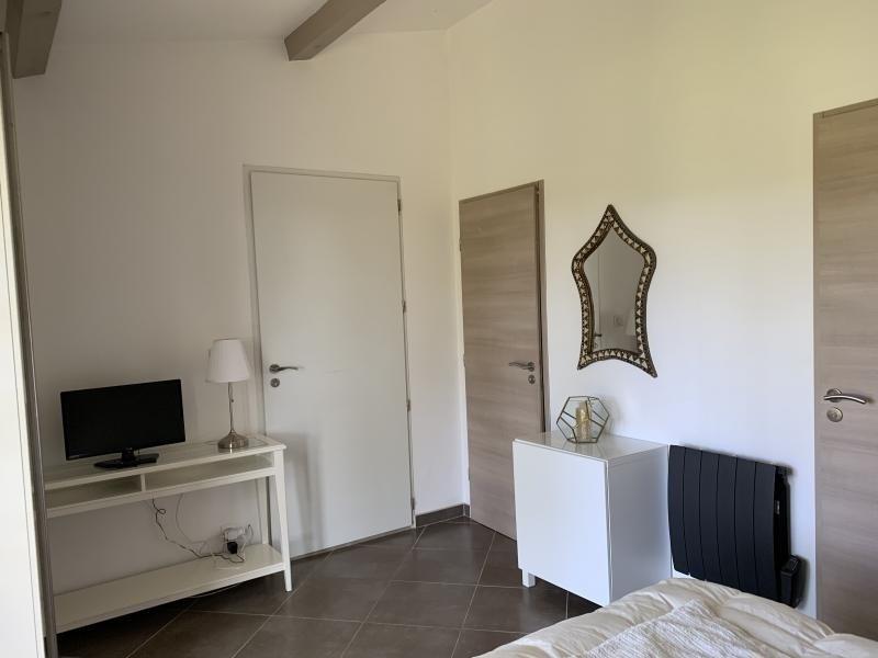 Rental house / villa Eguilles 800€ CC - Picture 4