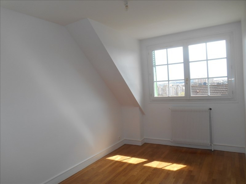Location appartement Verrieres le buisson 880€ CC - Photo 3
