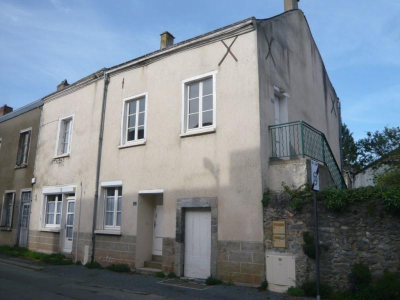 Sale house / villa La bazouge de chemere 33000€ - Picture 2