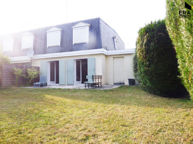 Location maison / villa Lesigny 1 574,50€ CC - Photo 1