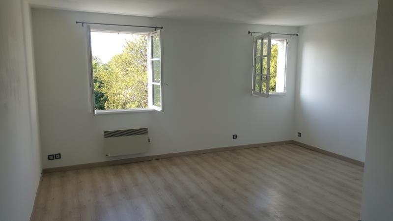 Rental apartment Vaux sur seine 699€ CC - Picture 3