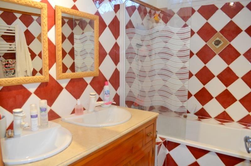 Sale house / villa L isle sur la sorgue 309000€ - Picture 6