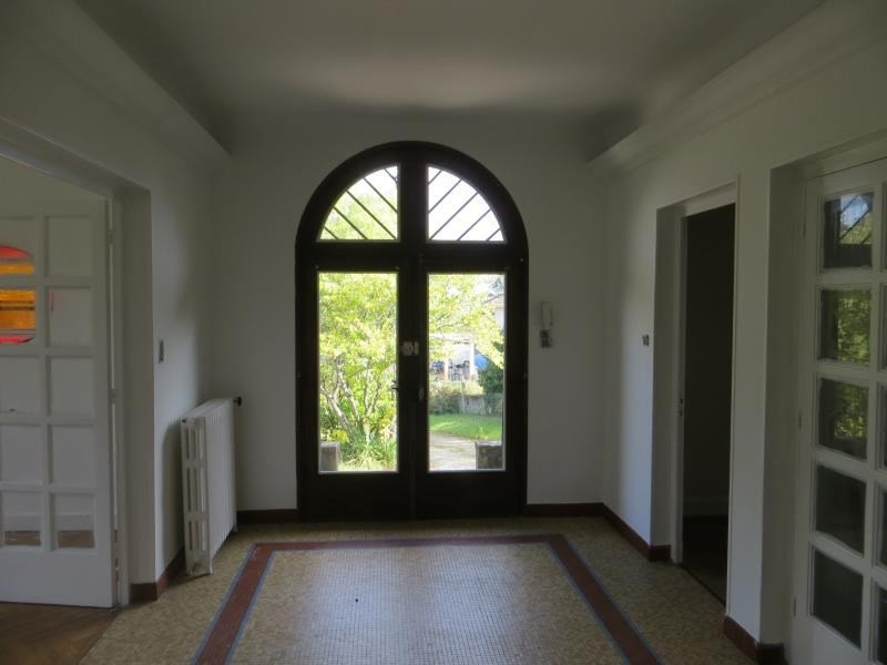 Location maison / villa Francheville 1 350€ CC - Photo 3