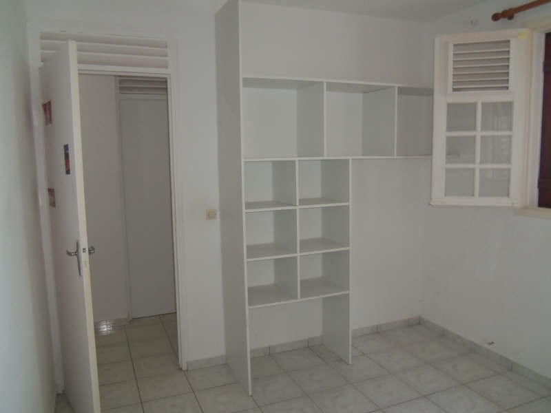 Location maison / villa St francois 750€ CC - Photo 12
