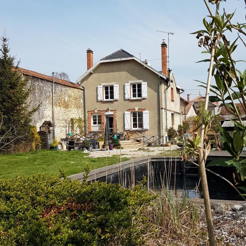 Sale house / villa Val de vesle 371000€ - Picture 1