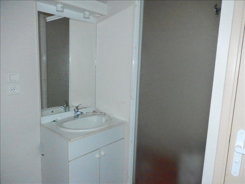 Location appartement Le puy en velay 349,79€ CC - Photo 4