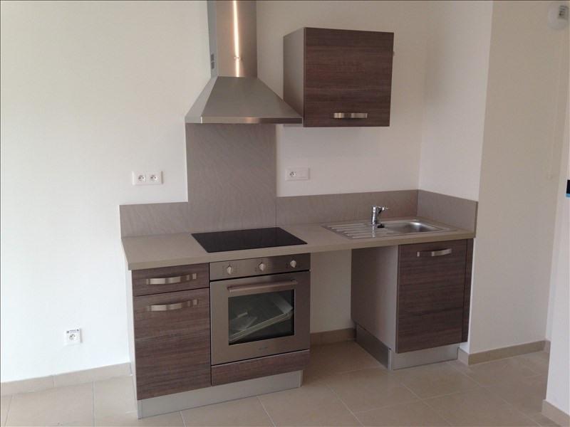 Rental apartment Salon de provence 678€ CC - Picture 4