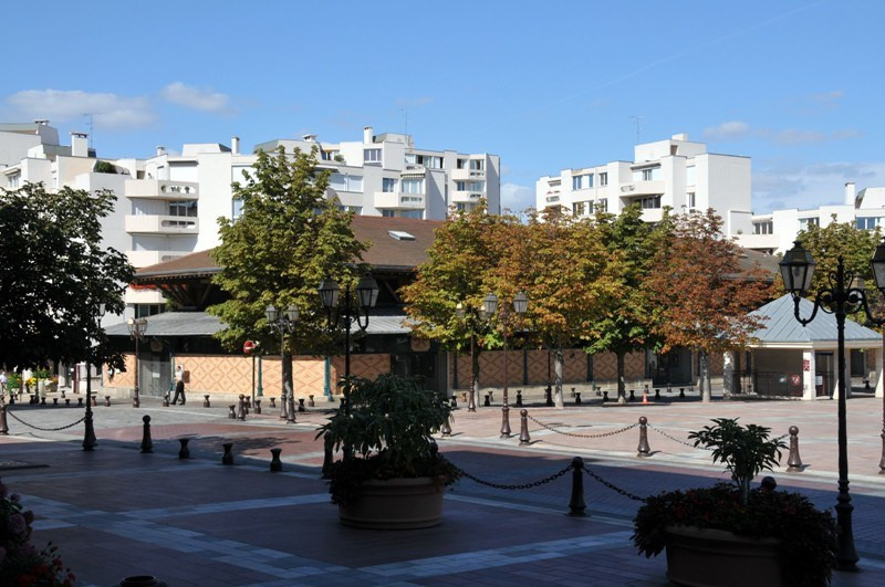 Sale apartment Poissy 365000€ - Picture 1