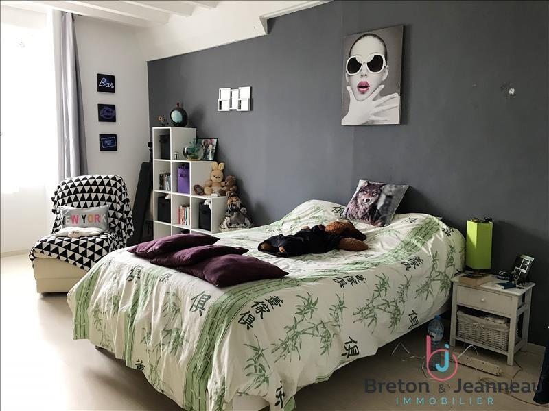 Sale house / villa Ampoigne 208000€ - Picture 5