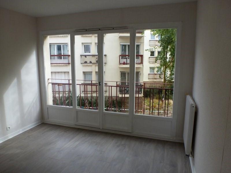 Rental apartment Maurepas 855€ CC - Picture 4
