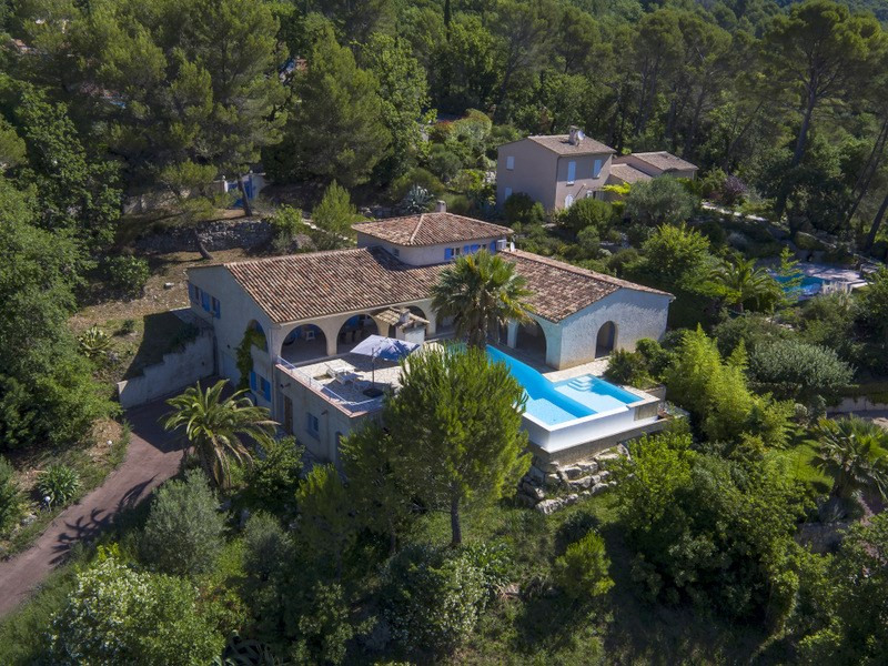 Deluxe sale house / villa Tourrettes 925 000€ - Picture 1
