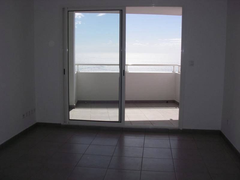 Location appartement Ste clotilde 590€ CC - Photo 2