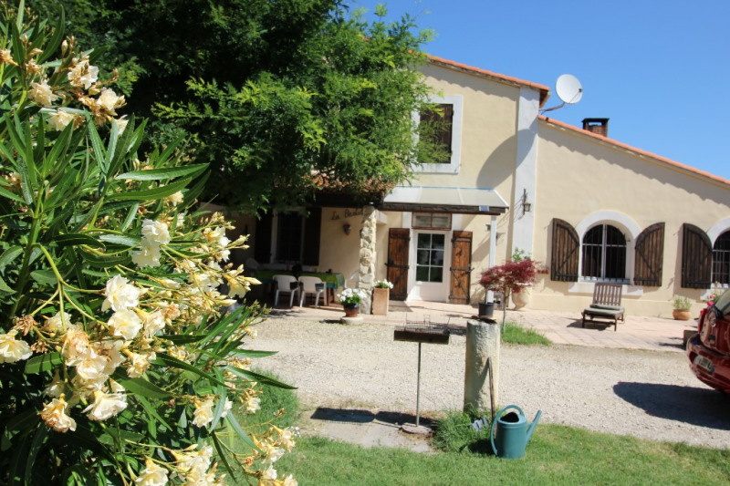 Vente maison / villa Tarascon 360 000€ - Photo 2