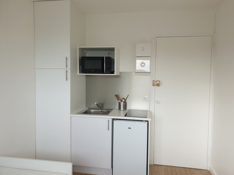 Location appartement Le plessis-robinson 425€ CC - Photo 3
