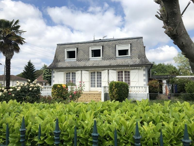 Sale house / villa Bizanos 316500€ - Picture 1