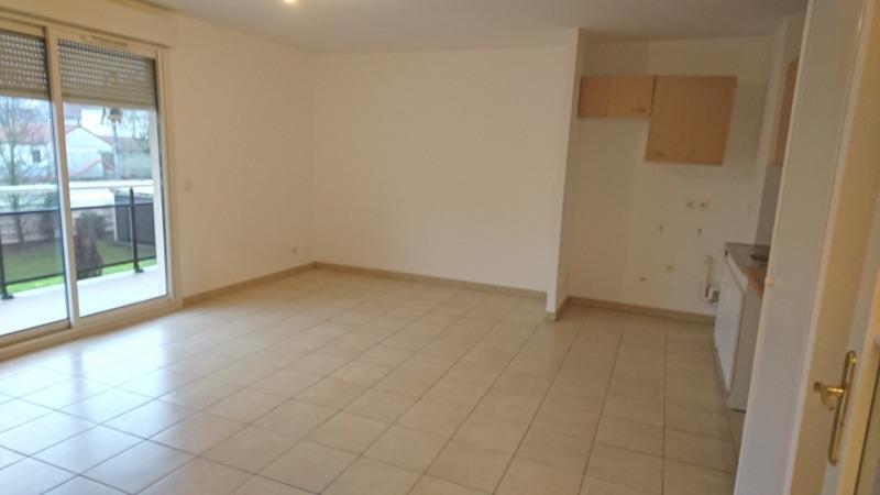 Rental apartment Rambouillet 740€ CC - Picture 2