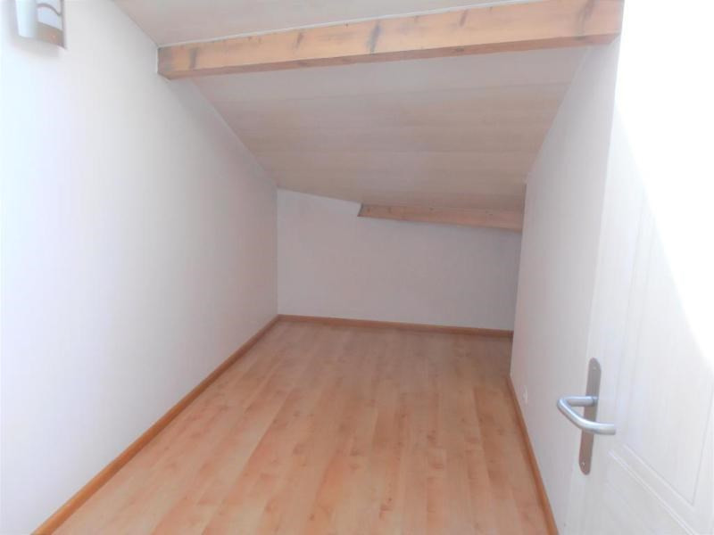 Location appartement Nantua 728€ CC - Photo 3