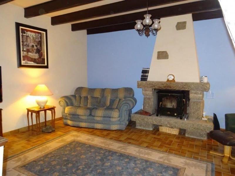Sale house / villa Plusquellec 64200€ - Picture 4