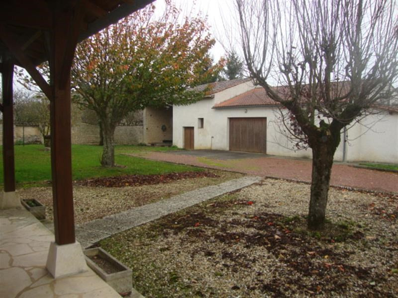 Sale house / villa La brousse 138 000€ - Picture 5