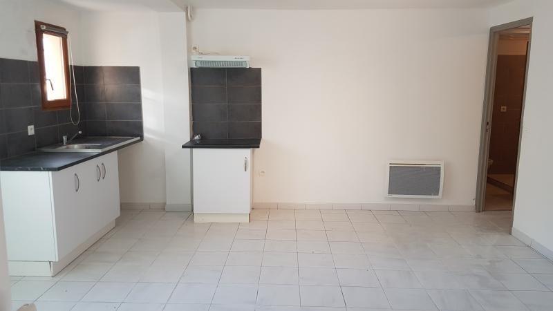 Location appartement Grans 540€ CC - Photo 1