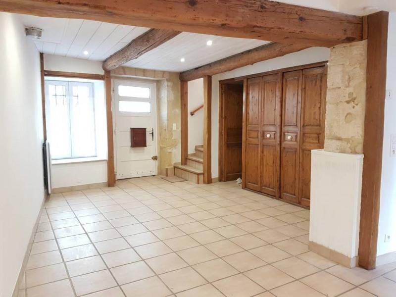 Location maison / villa Domazan 570€ CC - Photo 1