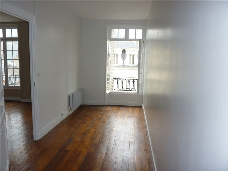 Location appartement Vendome 390€ CC - Photo 4