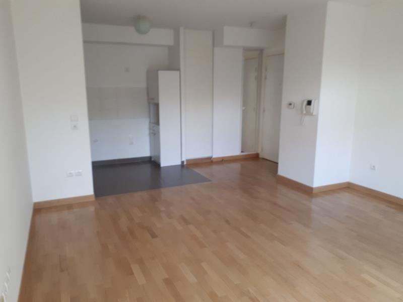 Rental apartment Le perreux sur marne 901€ CC - Picture 3