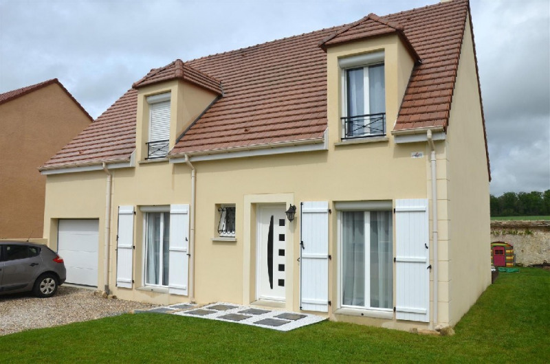 Sale house / villa Chartrettes 390 000€ - Picture 1