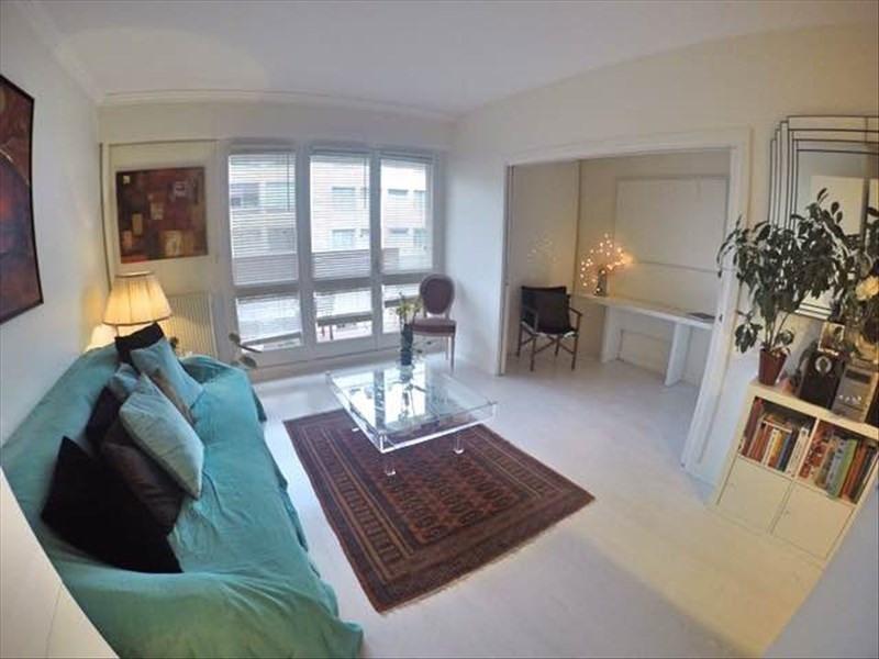 Sale apartment Paris 19ème 690000€ - Picture 1