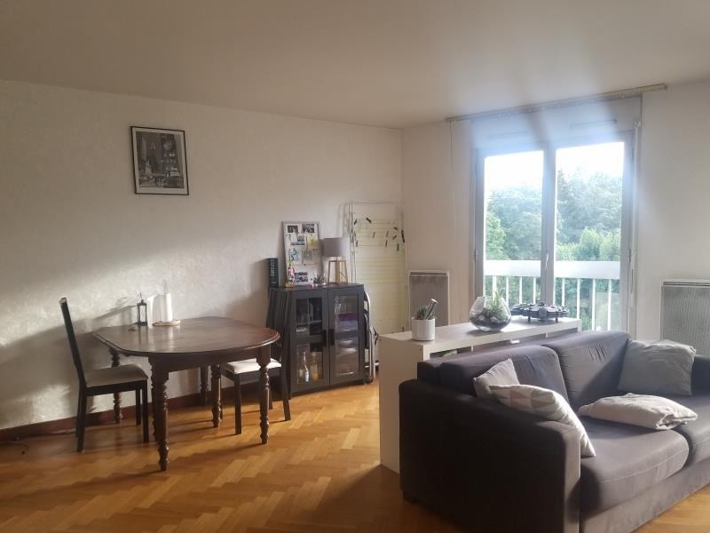 Location appartement Versailles 1 066€ CC - Photo 1