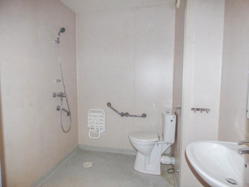 Verkoop  appartement Uzes 110000€ - Foto 8