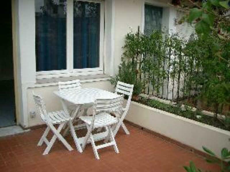 Location appartement Menton 499€ CC - Photo 1