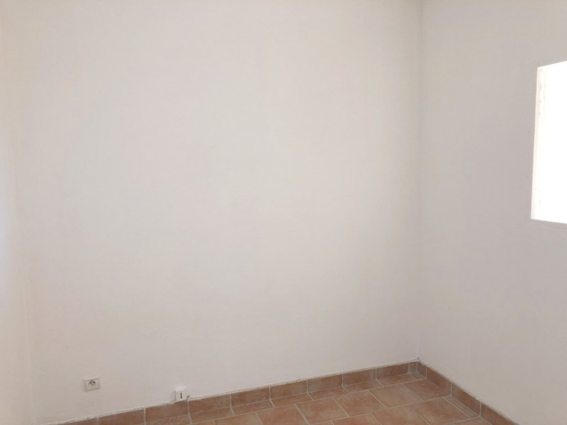 Rental apartment Eguilles 700€ CC - Picture 6