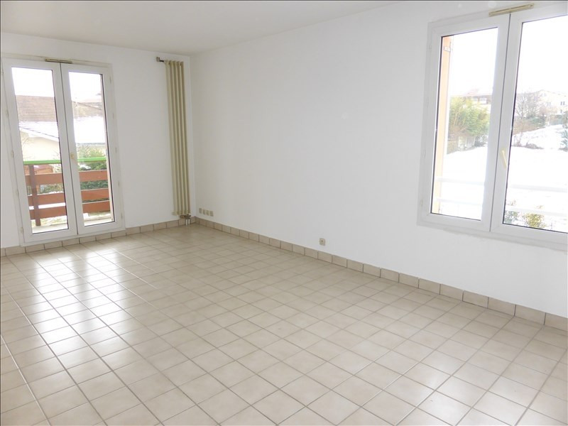 Rental apartment Prevessin-moens 1 132€ CC - Picture 1