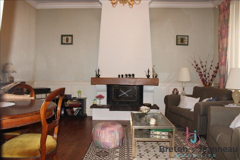 Sale house / villa Chateau gontier 158080€ - Picture 4