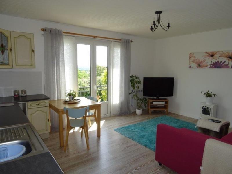 Sale house / villa Callac de bretagne 58850€ - Picture 3