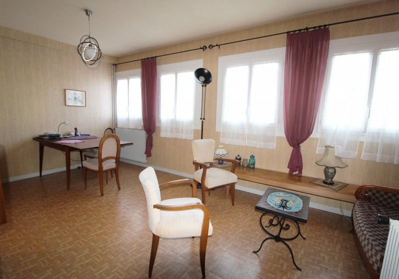 Sale apartment Maurepas 139000€ - Picture 1