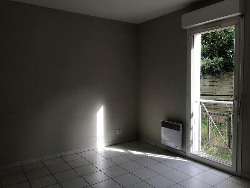 Rental apartment Saint andre de cubzac 701€ CC - Picture 6