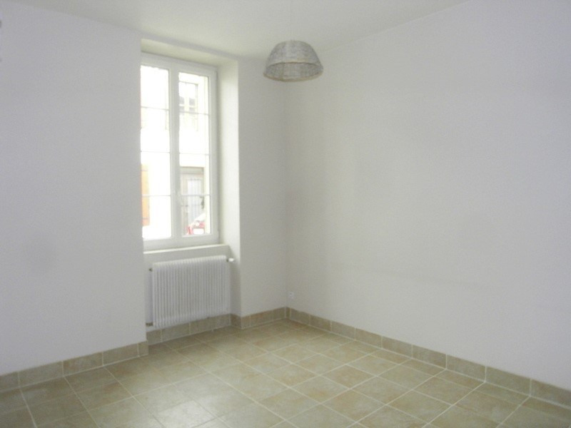 Location maison / villa Cognac 565€ CC - Photo 3